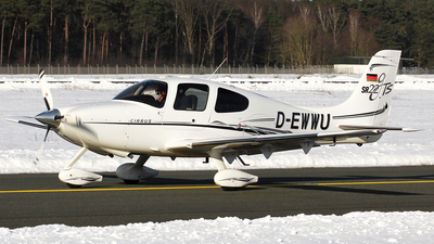 D-EWWU - Cirrus SR22-GTS - Private