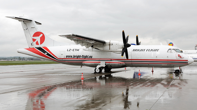 LZ-ETM - ATR 42-300(F) - Bright Flight