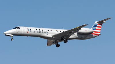 A picture of N808AE - Embraer ERJ140LR - American Airlines - © DJ Reed - OPShots Photo Team