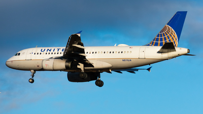 N811UA - Airbus A319-131 - United Airlines