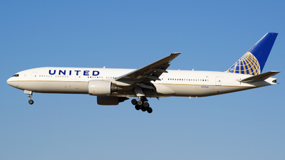 N799UA - Boeing 777-222(ER) - United Airlines