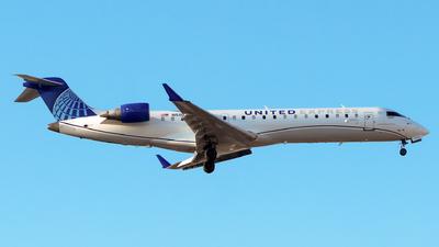 A picture of N511GJ - Mitsubishi CRJ550 - United Airlines - © Lorenzo P