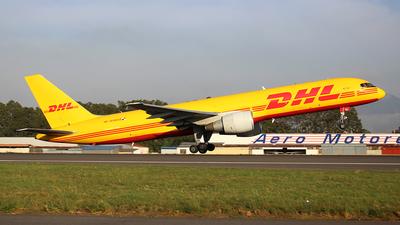 A picture of HP1910DAE - Boeing 75727A(PCF) - DHL - © Carlos Alberto Rubio Herrera