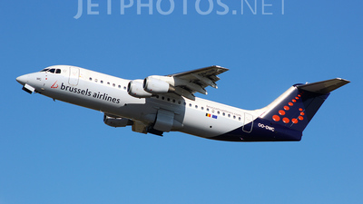 OO-DWC - British Aerospace Avro RJ100 - Brussels Airlines