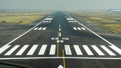 MMMX - Airport - Runway