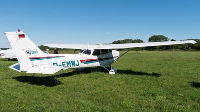 D-EMWJ - Cessna 172R Skyhawk II - Private