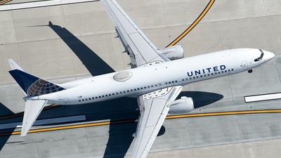 N76526 - Boeing 737-824 - United Airlines