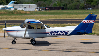 N9529W - Cessna 172R Skyhawk - ATP Flight School