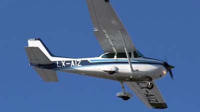 LX-AIZ - Reims-Cessna F172N Skyhawk II - Private