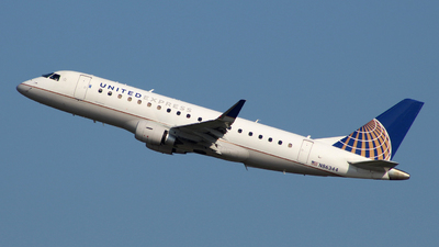 A picture of N86344 - Embraer E175LR - United Airlines - © wangruoyao