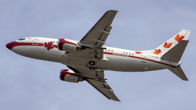 C-FPHS - Boeing 737-53A - Skyservice Business Aviation
