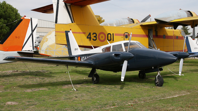 E.31-2 - Piper PA-30-160 Twin Comanche - Spain - Navy