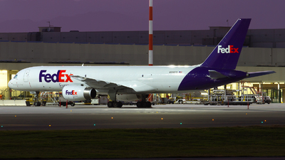 A picture of N916FD - Boeing 75727B(SF) - FedEx - © Paolo Maggiolo