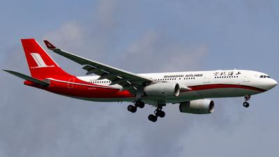 B-5931 - Airbus A330-243 - Shanghai Airlines