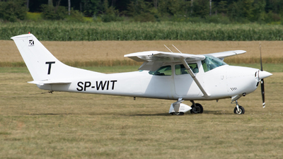 SP-WIT - Cessna 182N Skylane - Private