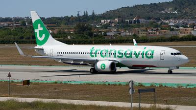 A picture of PHHXJ - Boeing 7378K2 - Transavia - © Fernando Roca