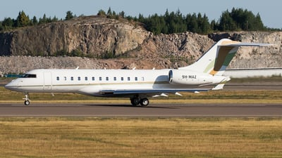 9H-MAZ - Bombardier BD-700-1A10 Global Express XRS - Elitavia Malta