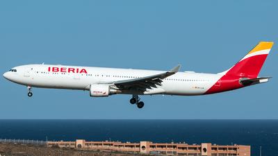 EC-LUK - Airbus A330-302 - Iberia