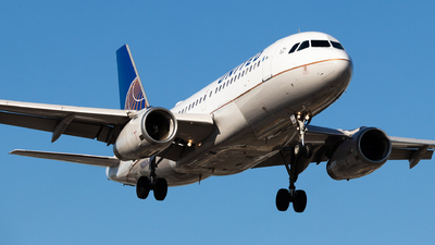 A picture of N839UA - Airbus A319131 - United Airlines - © Shon F