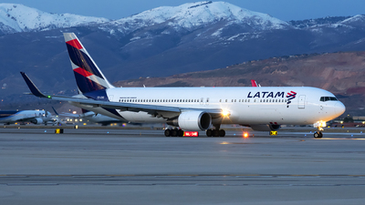 A picture of CCCXD - Boeing 767316(ER) - LATAM Airlines - © Michael Rodeback