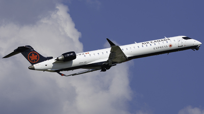 C-GFJZ - Bombardier CRJ-900LR - Air Canada Express (Jazz Aviation)