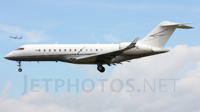 XA-PIL - Bombardier BD-700-1A10 Global Express  - Private