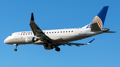 A picture of N114SY - Embraer E175LR - United Airlines - © Christopher M. Owens