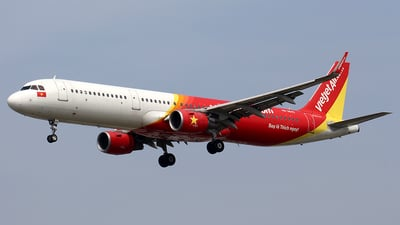 A picture of VNA642 - Airbus A321211 - VietJet Air - © Huy Do