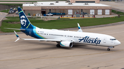 A picture of N481AS - Boeing 737990(ER) - Alaska Airlines - © Evan Dougherty