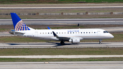 A picture of N87353 - Embraer E175LR - United Airlines - © Rocky Wang