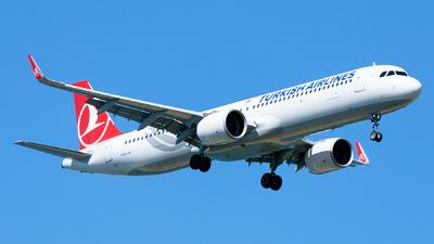 A picture of TCLTA - Airbus A321271NX - Turkish Airlines - © Ömür Sadikoglu