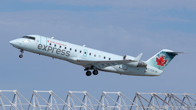 A picture of CGXJA - Mitsubishi CRJ200ER - Air Canada - © RZ