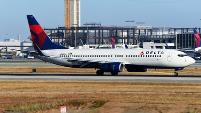A picture of N393DA - Boeing 737832 - Delta Air Lines - © Rocky Wang