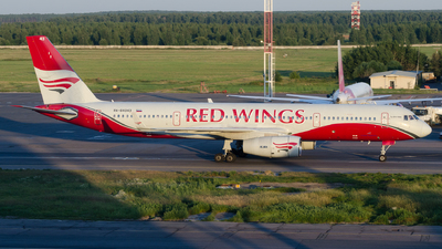 RA-64043 - Tupolev Tu-204-100B - Red Wings
