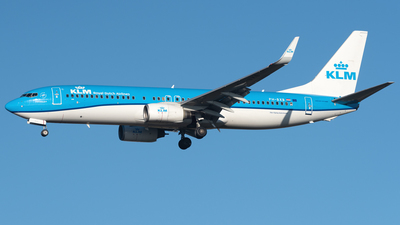 A picture of PHBXB - Boeing 7378K2 - KLM - © AKH