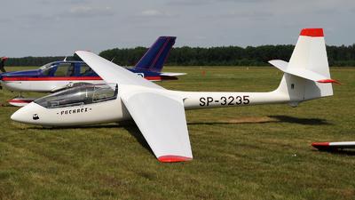 SP-3235 - SZD 50-3 Puchacz - Aero Club - Ostrowski