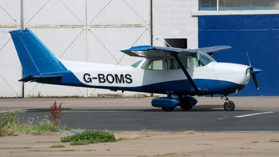A picture of GBOMS - Cessna 172N Skyhawk - [17269448] - © David Cook