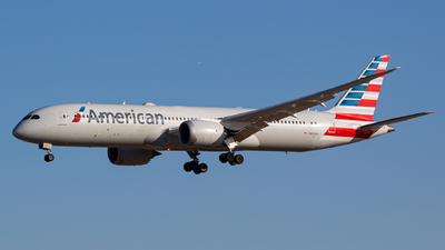 A picture of N832AA - Boeing 7879 Dreamliner - American Airlines - © MAJOREDM