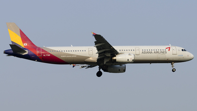 HL7789 - Airbus A321-231 - Asiana Airlines
