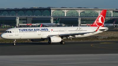 A picture of TCJTI - Airbus A321231 - Turkish Airlines - © Furkan Borakazi