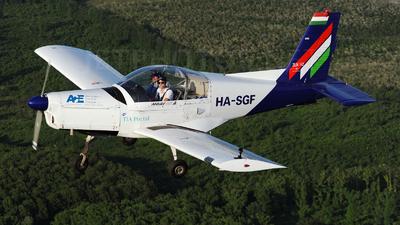 HA-SGF - Zlin 142 - Malév Aero Club