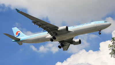 HL7585 - Airbus A330-323 - Korean Air