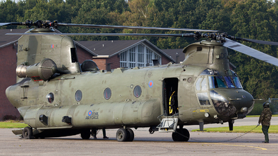 ZD575 - Boeing Chinook HC.4 - United Kingdom - Royal Air Force (RAF)