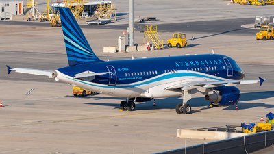 A picture of 4K8888 - Airbus A319115(CJ) - Azerbaijan Airlines - © Raphael Oletu