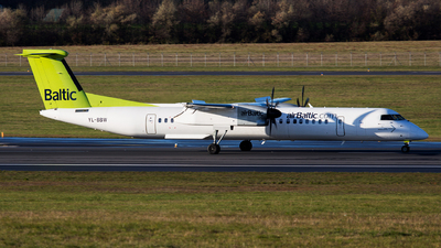 YL-BBW - Bombardier Dash 8-Q402 - Air Baltic
