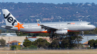 A picture of VHVQJ - Airbus A320232 - Jetstar Airways - © Eric Esots