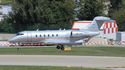 A picture of 9HVCL - Bombardier Challenger 350 - VistaJet - © Christoph Plank