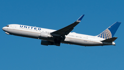 A picture of N641UA - Boeing 767322(ER) - United Airlines - © Matei Dascalu - RomeAviationSpotters