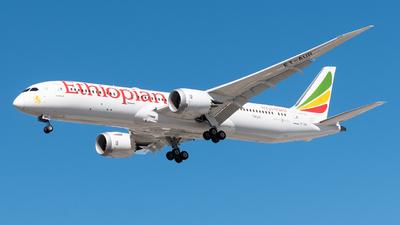 A picture of ETAUR - Boeing 7879 Dreamliner - Ethiopian Airlines - © Renato Oliveira