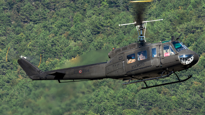 MM80725 - Agusta-Bell AB-205A-1 - Italy - Army